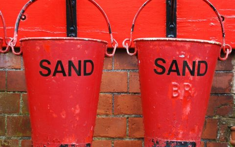 bucket_sand